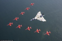 2C8DD61300000578-3242448-Over_and_out_The_Vulcan_XH558_is_the_last_airworthy_example_of_t-a-97_1442780626387