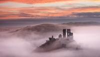 Colourful_Misty_Sunrise_Corfe_Castle
